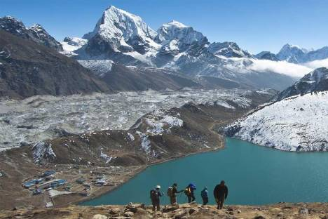 Gokyo lake to EBC trek