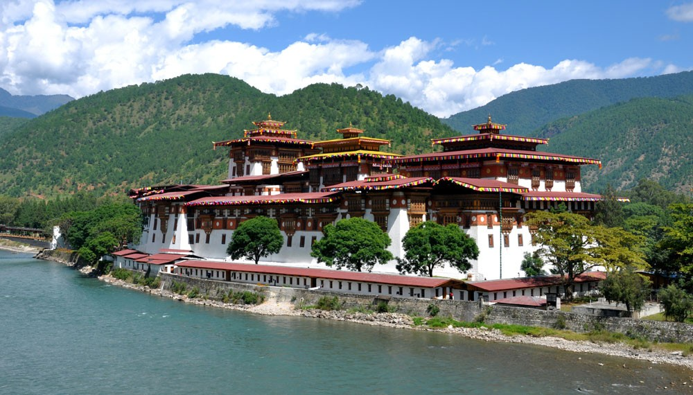 Tour of Bhutan with short and beautiful day hiking with affordable price